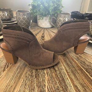 Sonoma Brown Heels